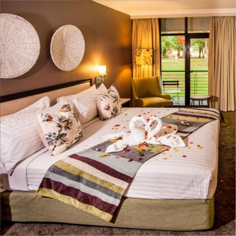 Sabi River Sun Luxury Honeymoon Suite