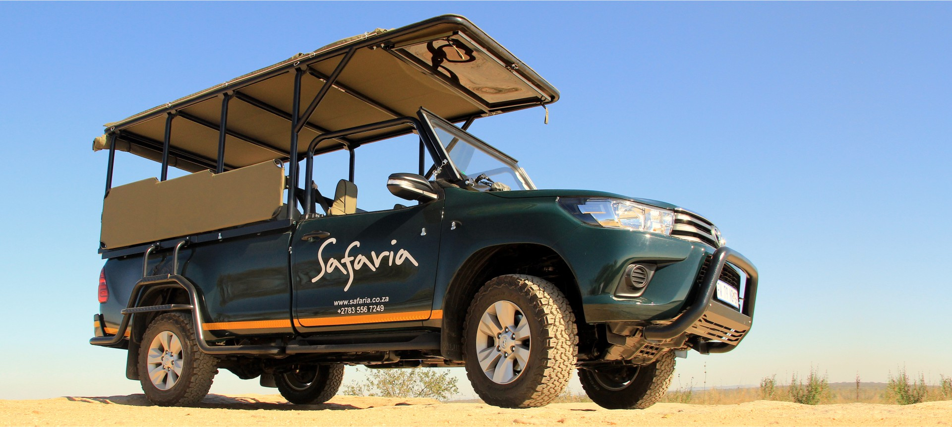 Safaria – banner vehicle 4