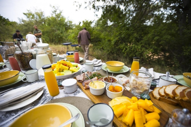 Thornybush Game Lodge, Bush Breakfast