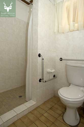 Letaba Guest Cottage Bathroom