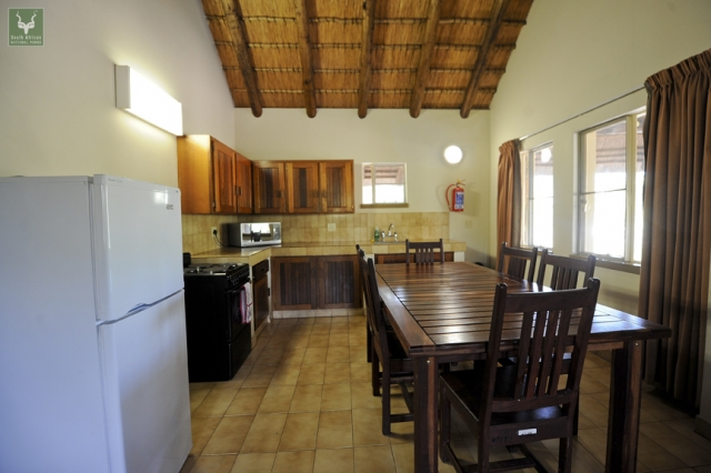 Mopani Guest Cottage Kitchen